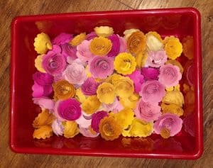 Quilled flowers for mothers day